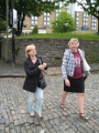 Ceļā uz Bristoles katedrāli. Šeit Ingūna un Ārija.