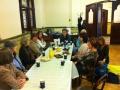 Pēc dievkalpojuma notiek sadraudzība pie kafijas galda
