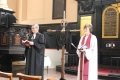 Prāv. Dr. Andris Abakuks un draudzes māc. Elīza Zikmane