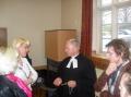 Pēc dievkalpojuma varējām cienāties ar DVF Mansfieldas nodaļas vanadžu sarūpētajiem gardumiem un tēju, kā arī ļauties garākām pārrunām ar mācītāju.