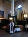 Draudzes māc. Elīza Zikmane pie senajām baznīcas ērģelēm