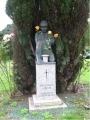Karavīra tēls Boltonas kapsētā